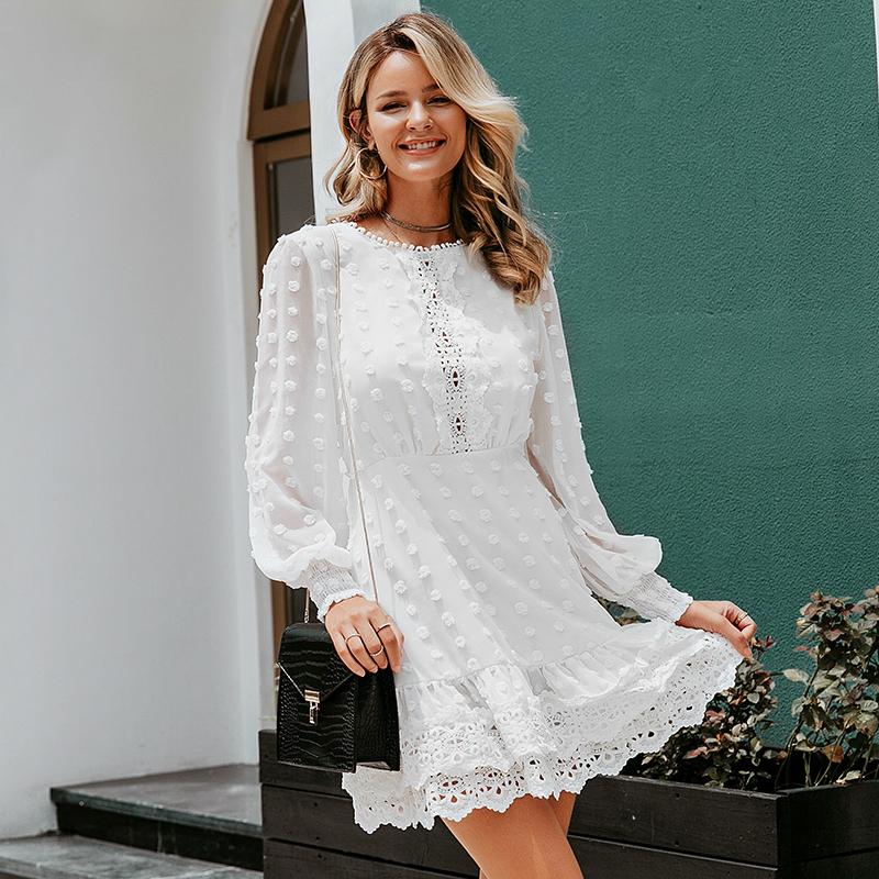 Blonder med hvide kjoler Studenterkjoler